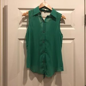 Kelly green collared button up blouse